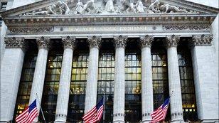 Kdy nejlépe kupovat americké akcie? Tento graf vám poradí