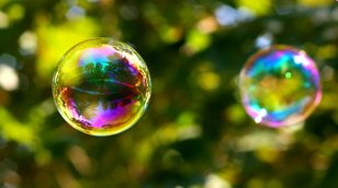 Pět důvodů, proč může prasknout akciová bublina